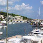 Der Ferienort Cala Ratjada auf der Insel Mallorca